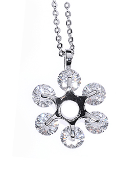 Blossom Of Love Necklace - Avery and May